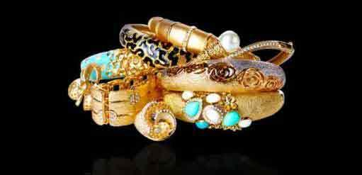 We manufacture gold jewelry at best wholesale prices in the industry.
